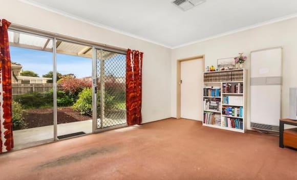 Four bedroom Glen Waverley house sold for <img src=
