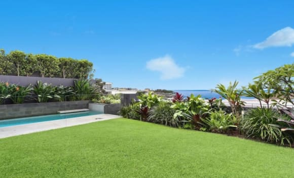 Former cricketer Shane Watson sells Bronte beach home