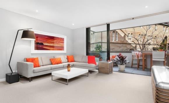 Fashion designer Alex Perry buys Darlinghurst investment apartment