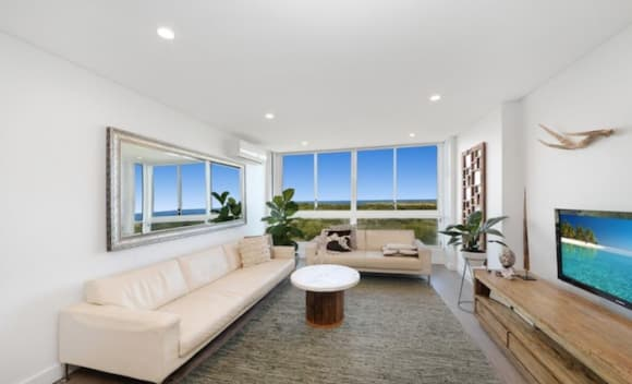Cricketer David Warner secures another Maroubra apartment