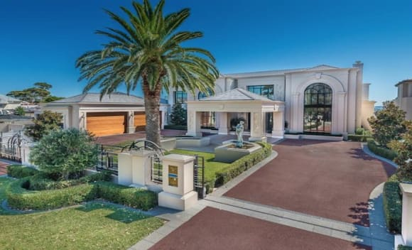 Mosman Park mansion fetches over .5 million