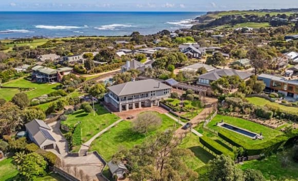 Bass Lodge, Flinders trophy home sold for ,775,000