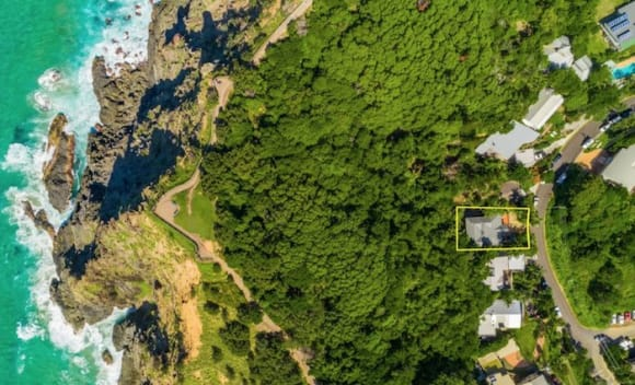 Former JB Hi-Fi CEO Richard Uechtritz buys Australia's most easterly home
