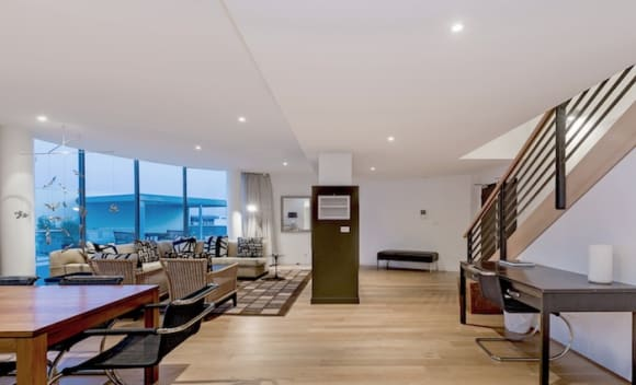 Malcolm Turnbull's former Canberra penthouse up for rent by recent buyer