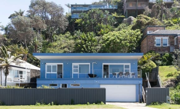 Aristocrat pokie scion Cristian Ainsworth sells Palm Beach retreat with 0,000 loss