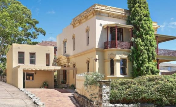 Kennards sell in Bronte as former Tamarama SLSC president lists in Bondi