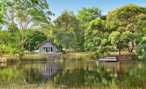 Balnarring two hectare retreat sells at <img src=