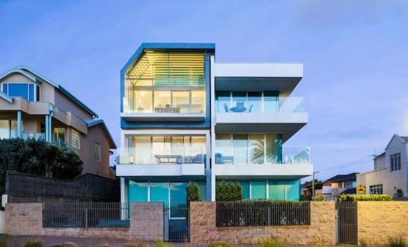 Hove trophy penthouse in boutique building listed