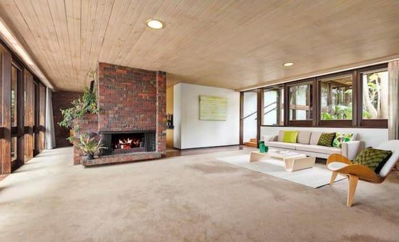 Award winning modernist Eaglemont trophy home listed