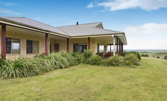 Goulburn winery listed for