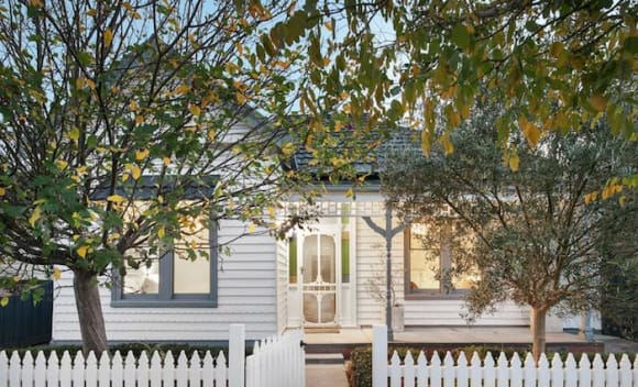 Paddington tops weekend auction results with weakening continuing across the capital cities