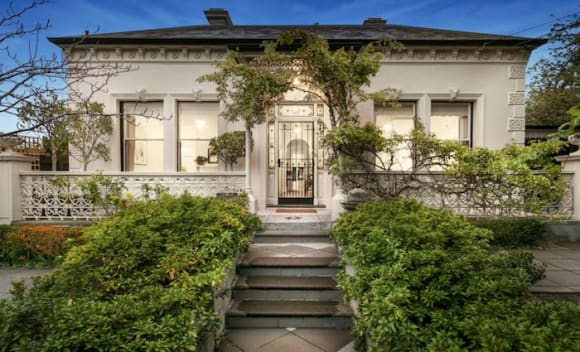 Johnny Famechon's Frankston South House sells pre-auction
