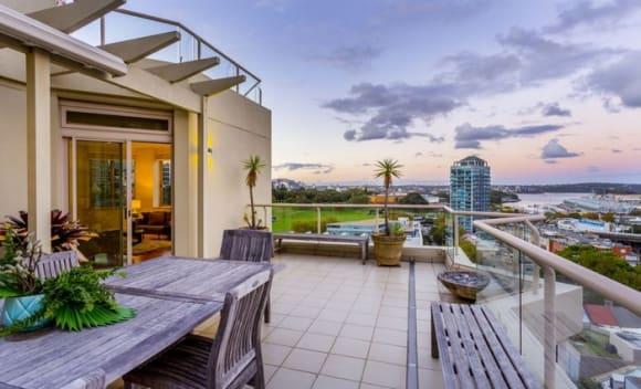 Woolloomooloo penthouse fetches .25 million