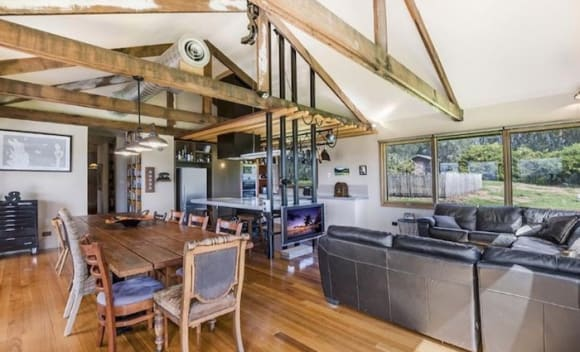 Round the Twist creator Paul Jennings sells coastal 21 ha Warrnambool home