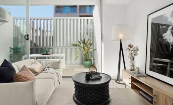 Model Annalise Braakensiek's Potts Point apartment sells