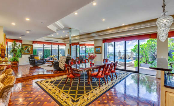 Shafston International College founder Keith Lloyd sells Surfers Paradise apartment
