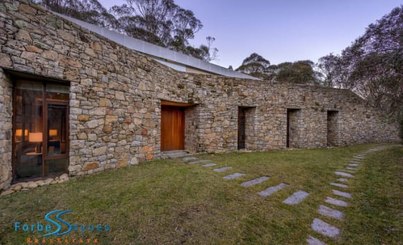 Fresh Thredbo price record after sale of Tussock ski chalet on Crackenback