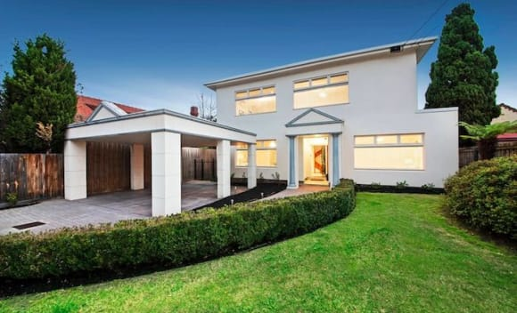 ,000 loss taken on Melbourne apartment, as weekend auction results improve