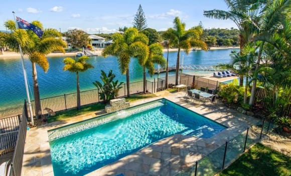 Palm Beach trophy home listed for
