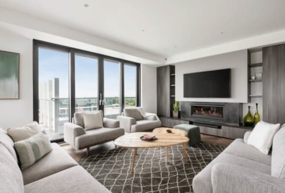 Sandy Hill Penthouse: What's within walking distance from this Sandringham property?