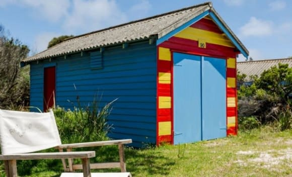 Renovated Rye bathing box sold for 0,000