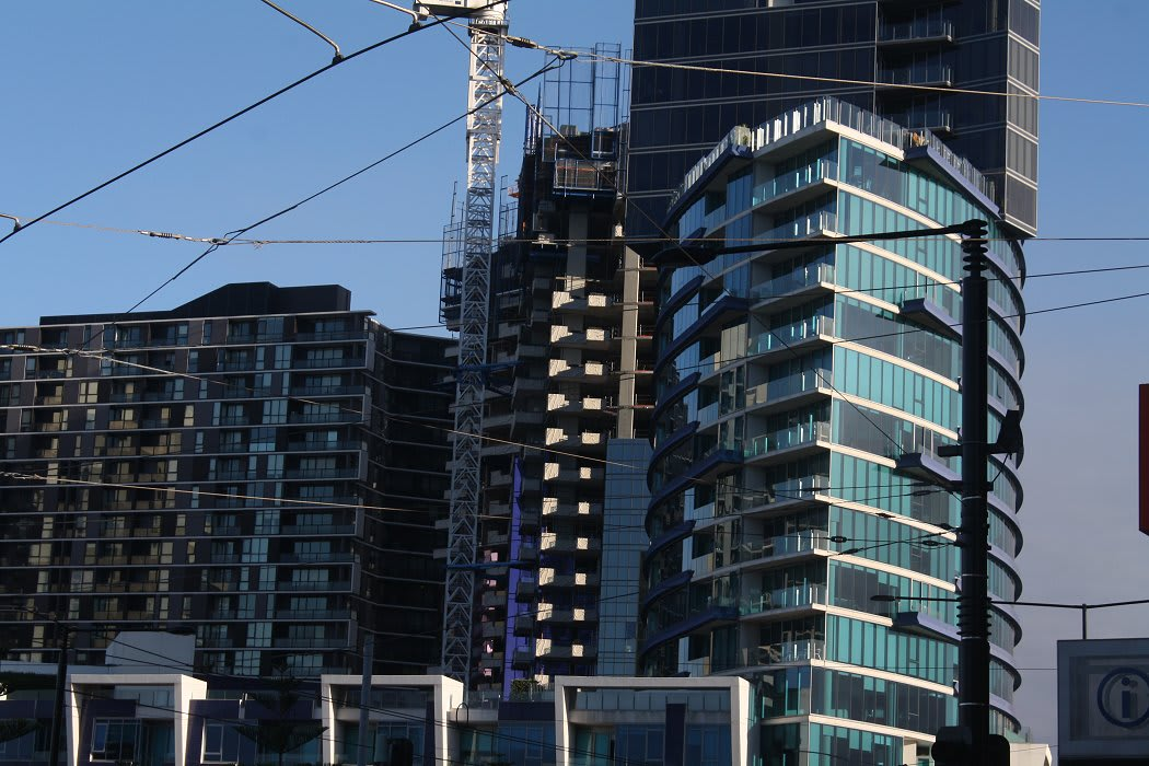 DOCKLANDS | The Quays | 231-245 Harbour Esplanade |  27L&32L | 89m&104m | Residential