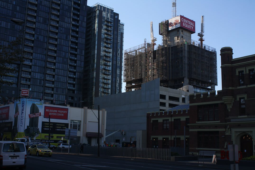 SOUTHBANK   Epic Apartments   120m   38L   residential