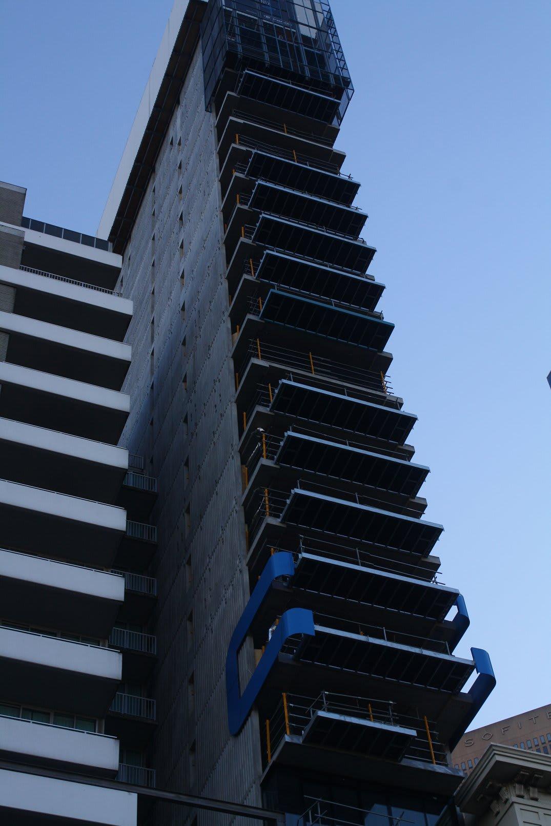 CBD   Phoenix Apartments   82 Flinders Street   88.5m   28L   Residential