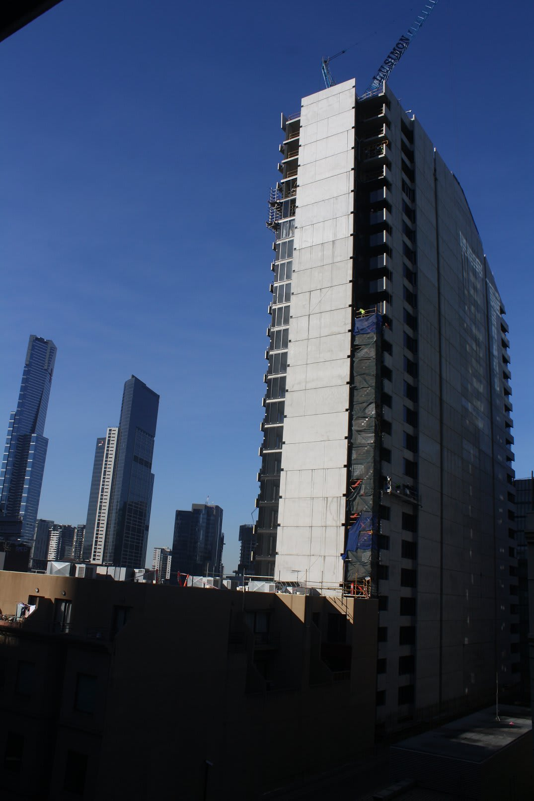 CBD | Aura Apartments | 532 Flinders Street | 28F | 84m | Residential