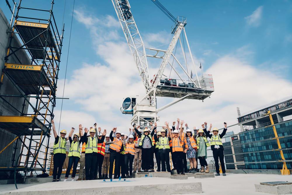 Melbourne's Union Tower tops out - Build Australia