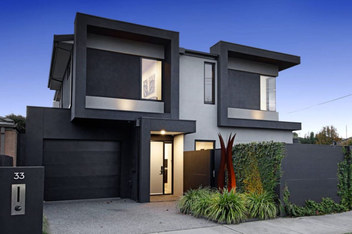 McKinnon tops weekend auction results