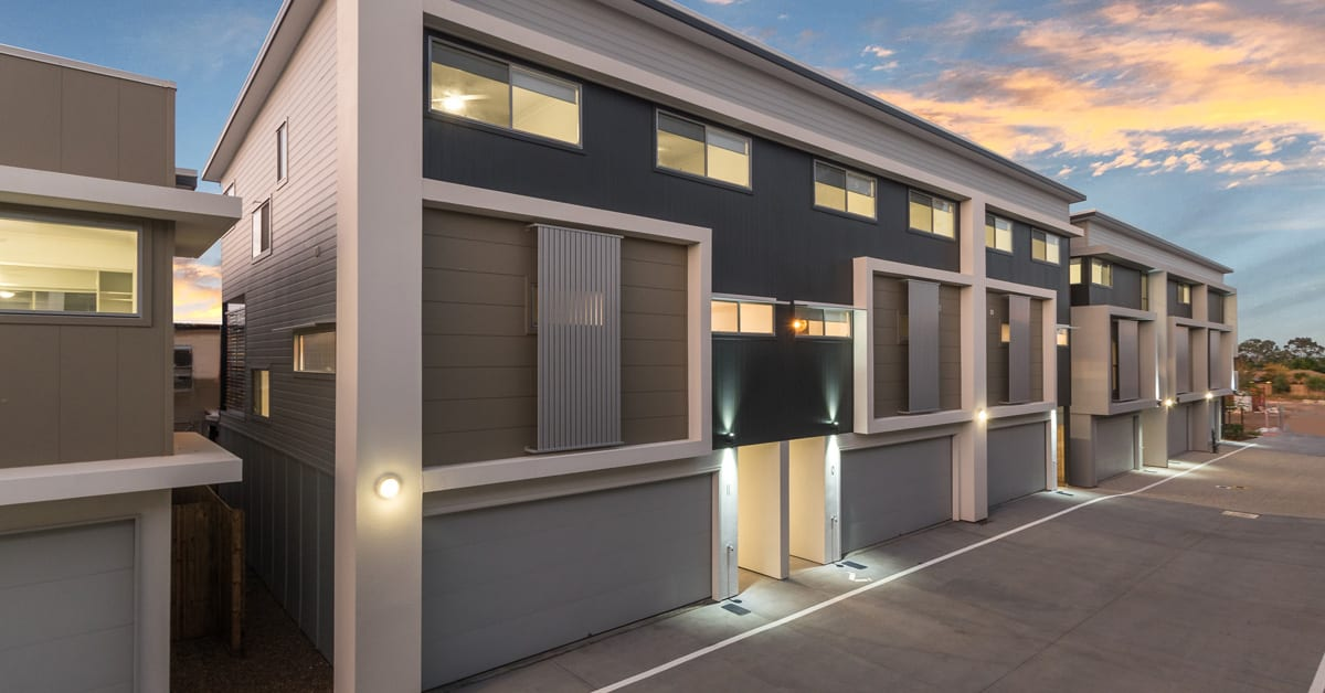 Urban's tour of a completed Infinity Heathwood townhome