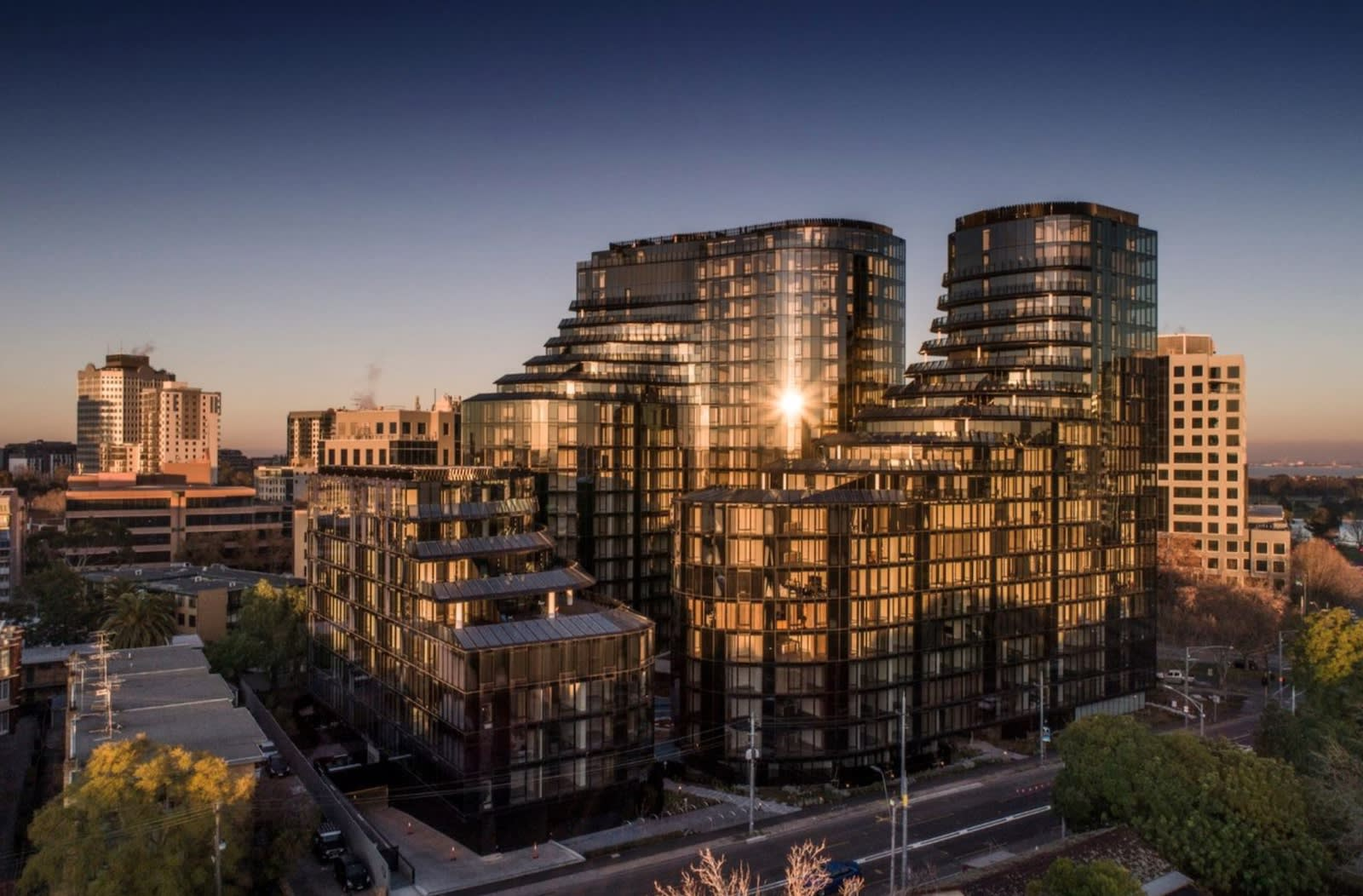 Find out what incentives The Shakespeare Group are offering at their newly completed Melbourne apartment tower St. Boulevard