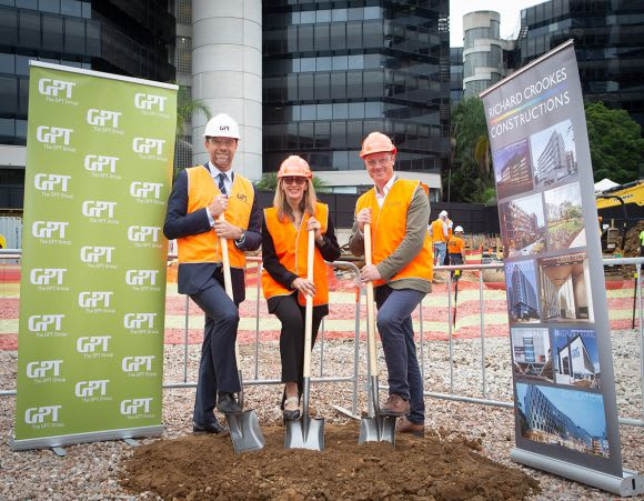 L-R: Matthew Faddy, GPT Head of Office & Logistics Renee Roberts, QBE Australia Pacific Chief Operating Officer Mark Curzon, Director at Fender Katsalidis. Image: Supplied