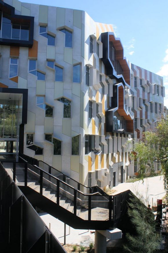 In focus: Sylvia Walton Building @ La Trobe University