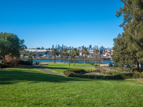 Footscray, Victoria, 3011: The complete suburb guide for buyers