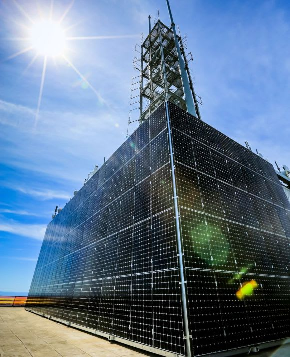 Two records set as retrospective solar systems power two Melbourne landmarks