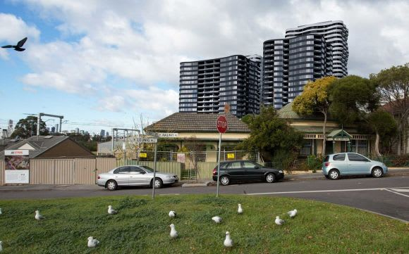 Growland pushes Footscray's Victoria Square to new heights