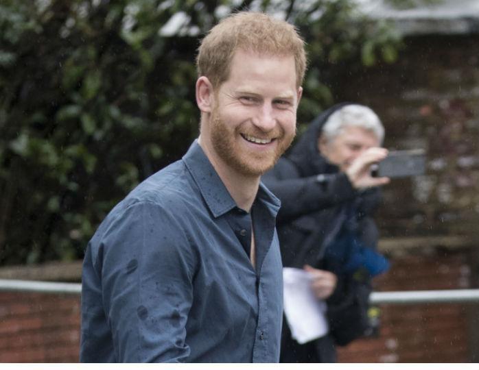 Принц Гарри встретился с экс-возлюбленной после отъезда Меган Маркл в Канаду