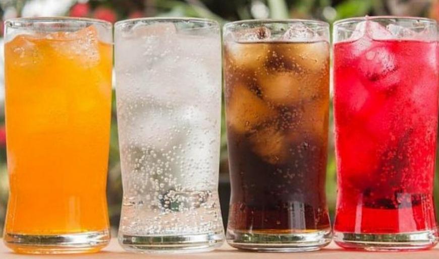 Дієтологи назвали напої, які раз і назавжди варто виключити з раціону