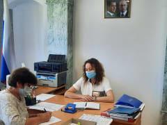 Жители Починка коллективно обратились за помощью к депутату Анне Андреенковой с проблемой неисправной ливневой канализации