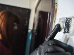 В Смоленске неизвестные похитили все сбережения у 85-летней женщины