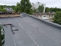 В Смоленске Народный фронт добился ремонта кровли дома, в котором годами затапливало пожилую художницу и ее картины