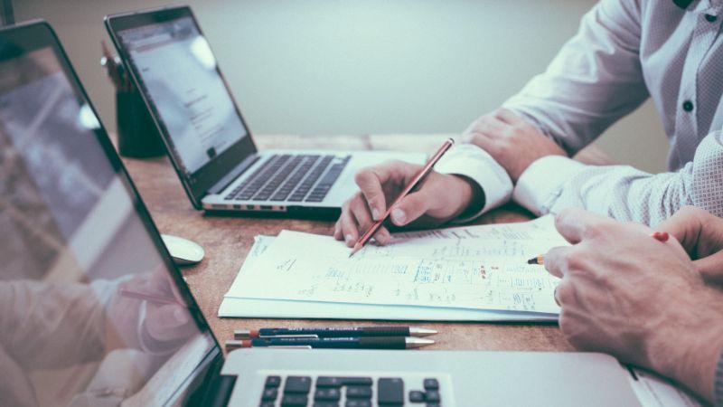 Financial planner vs financial advisor