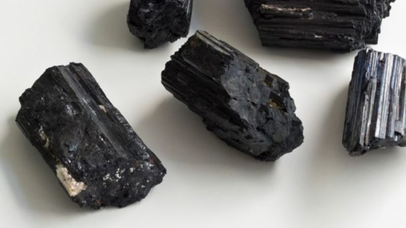 Black tourmaline for anxiety