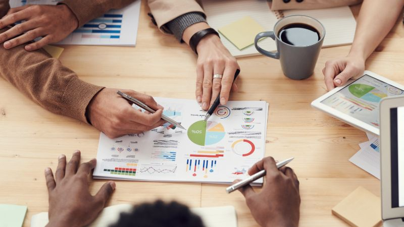 Add visuals and graphs to your business proposal