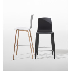 Arper Aava — Counter Stool 4 Wood Legs