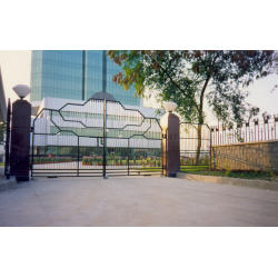 Hom Automation Automated Swing Gates IMAGE