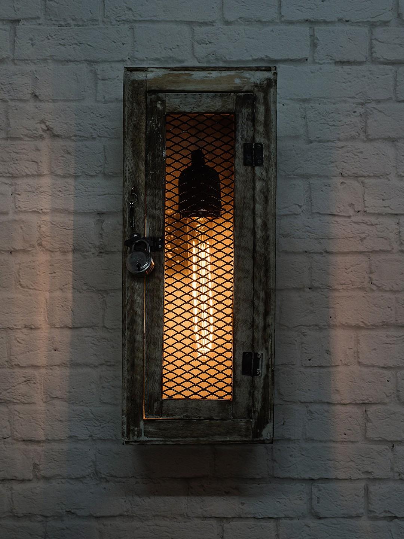 Rustic Wood Lantern Lattice Wall Light