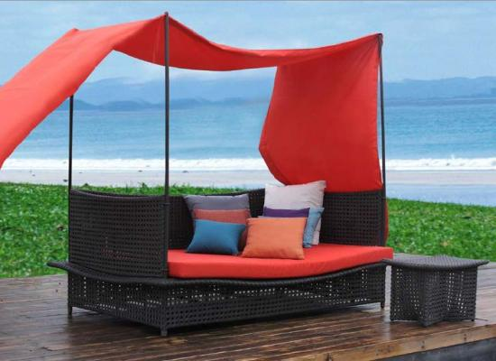 Day Beds Holiday